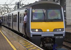 321325 1K40 Liverpool Street to Southend Victoria (hetsc68) Tags: 2017 may 27052017 london england stratford railways trains aga abelliogreateranglia class321321325