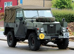 AGU 723N (Nivek.Old.Gold) Tags: 1975 land rover 88 series 3 lightweight softtop 2225cc army