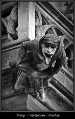Gargoyles - 2 (fotomänni) Tags: prag praha prague veitsdom gargoyles wasserspeier steinfiguren skulpturen skulptur sculpture kunst schwarzweis blackwhite noirblanc gargouille manfredweis