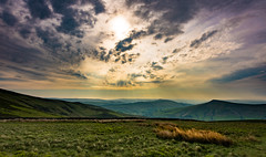 pouring down with light (Phil-Gregory) Tags: kinderscout peakdistict peak nikon d7200 tokina ultrawide wideangle national nature nationalpark naturalphotography naturalworld natural naturephotography scenicsnotjustlandscapes landscapes clouds sky light colour view vista mountain countryside