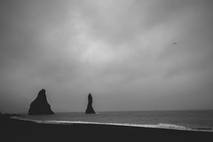 Trolls of Vik (Soir d'hiver) Tags: travel iceland landscape vík vik sea beach rocks black white nikon