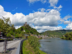 Cochem - Germany (N1924) (Le Photiste) Tags: clay cochemgermany germany vacances vacations holidays ferien urlaub tollcastlereichsburgcochemgermany moselle mosel water clouds sky river afeastformyeyes aphotographersview autofocus artisticimpressions blinkagain beautifulcapture bestpeople'schoice creativeimpuls cazadoresdeimágenes digifotopro damncoolphotographers digitalcreations django'smaster friendsforever finegold fairplay greatphotographers giveme5 groupecharlie hairygitselite ineffable infinitexposure iqimagequality livingwithmultiplesclerosisms lovelyflickr mastersofcreativephotography niceasitgets nikon nikoncoolpixs9900 ngc nature photographers prophoto photographicworld photomix soe simplysuperb saariysqualitypictures showcaseimages simplythebest simplybecause thebestshot thepitstopshop theredgroup thelooklevel1red vigilantphotographersunite vividstriking wow yourbestoftoday myfriendspictures moselgermany rivers