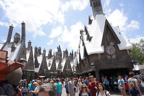 "Universal Studios, Florida: Hogwarts • <a style=""font-size:0.8em;"" href=""http://www.flickr.com/photos/28558260@N04/34579451372/"" target=""_blank"">View on Flickr</a>"