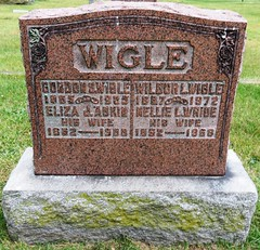 Wigle, Gorden W.  1865 - 1935 & Wigle, Wilbur L.  1887 - 1972 (Hear and Their) Tags: grave marker stone gravestone tomb tombstone greenhill cemetery kingsville fraternal masonic oddfellow
