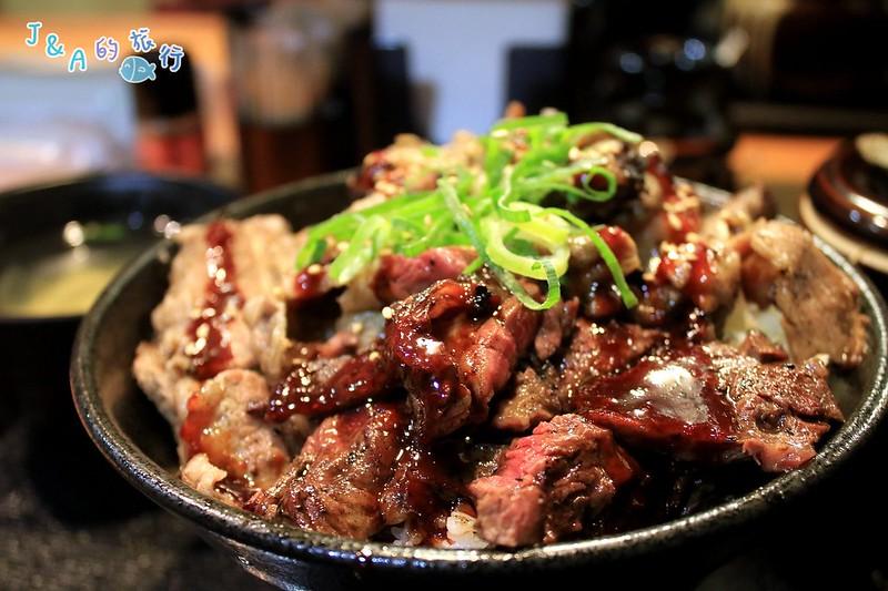 【大阪美食】肉劇場肉丼專門店(道頓崛肉劇場)–推薦劇場丼,4種燒肉一次滿足,白飯還可以免費加量唷! @J&A的旅行