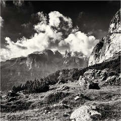 Mountain Energy squared... (Ody on the mount) Tags: anlässe berge dolomiten em5 filmkorn gipfel italien mzuiko1250 omd olympus rahmen sellamassiv südtirol urlaub wanderung wolken bw monochrome quadratisch sw