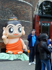 Buddha's Birthday05 (Quetzalcoatl002) Tags: buddha birthday buddhism festival nieuwmarkt amsterdam chinatown baby waag streetshot candid