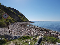 Baia Valugola, Gabicce Mare (ilpiubello) Tags: bicicletta bike bicycle cycling pedalando mountainbike gabicce baiavalugola valugola rivieraadriatica italia italy mare sea collesanbartolo smartphonecycling photocycling panorama panoramic seascape spiaggia beach divieto