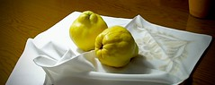2 Membrillos. (valorphoto.1) Tags: seleccioónvp membrillos stilllife frutas photodgv