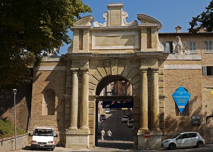 「義大利烏爾比諾」烏爾比諾的城市之星「文藝復興三傑」拉斐爾