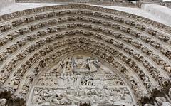 Extrait de la Cathédrale Notre Dame de Paris (escaledith) Tags: cathédrale paris notredamedeparis architecture monument tympan patrimoine édificereligieux portaildujugement