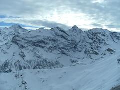 ... ... ... ...PanOramaRama... ... (project:2501) Tags: wengen jungfrauregion suisse switzerland snow ski travel theviewfromhere clouds lightcloud sun sunshine sky skyblue snowblue bluelight blue bluebleu bleu inthemountains mountains mountain rock wetterhorn3692m eiger3970m mönch4107m jungfrau4158m breithorn3782m tschingelhorn3557m gspaltenhorn3437m schilthorn2971m birg2676m viewfbirg