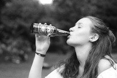 30/05/17 (ZNOUTII) Tags: bière lille beer bokeh percing girl bw