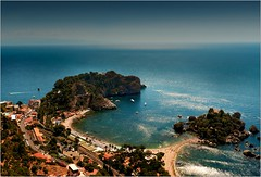 Classic Sicily: Isola Bella photographed from Taormina (piontrhouseselski) Tags: italy sicilia island sea summer
