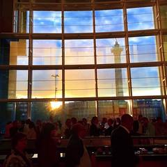 Palais Garnier (maikokawahara) Tags: palaisgarnier opera paris sunset people