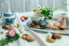 © Giovanni Contarelli Still life composition (1.11 - Giovanni Contarelli) Tags: stilllife fujifilm fujifilmxt1 fujinon 1855f284 lemon tea flowers flower composition breakfast cookies cup cupoftea