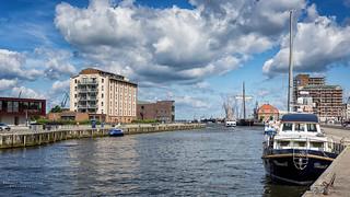 Alter Hafen Wismar No. 1965.jpg