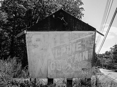 Ski Alpine Mountain Sign - Black & White Version; Price, Pennsylvania (hogophotoNY) Tags: hogophoto eaststroudsburg pennsylvania unitedstates us sign paus pausa pennsylvaniausa nikon pennsylvaniaus hogo nikonp900 p900 nikondigitalcamera weathered paintedover painted faded bw blackwhite roadside sihn