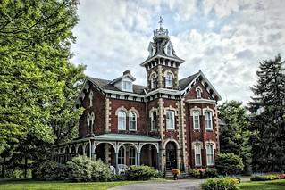 Gananoque Ontario ~ Canada  ~Auberge Victoria Rose Inn ~ Historical Mansion ~ Bed And Breakfast