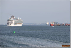 Independence of the Seas rounds the Cadland buoy near Fawley, and meets the Cunarder Queen Victoria heading for Southampton, June 3rd 2017 (Bristol RE) Tags: 9349681 9320556 independenceoftheseas queenvictoria imo royalcaribbean cunard solent fawley southampton liner cruiseliner