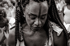 Foto- Arô Ribeiro -0398 (Arô Ribeiro) Tags: brasil carnaval blackwhitephotos pretoebranco mulher negra lutapelosdireitos photography laphotographie art arte ilúoládemin arôribeiro eleniceoliveira