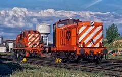 Fresh paint at Barreiro (rolfstumpf) Tags: portugal barreiro locomotive englishelectric alco rsc3 railway railroad caminhosdeferroportugueses water tower clouds