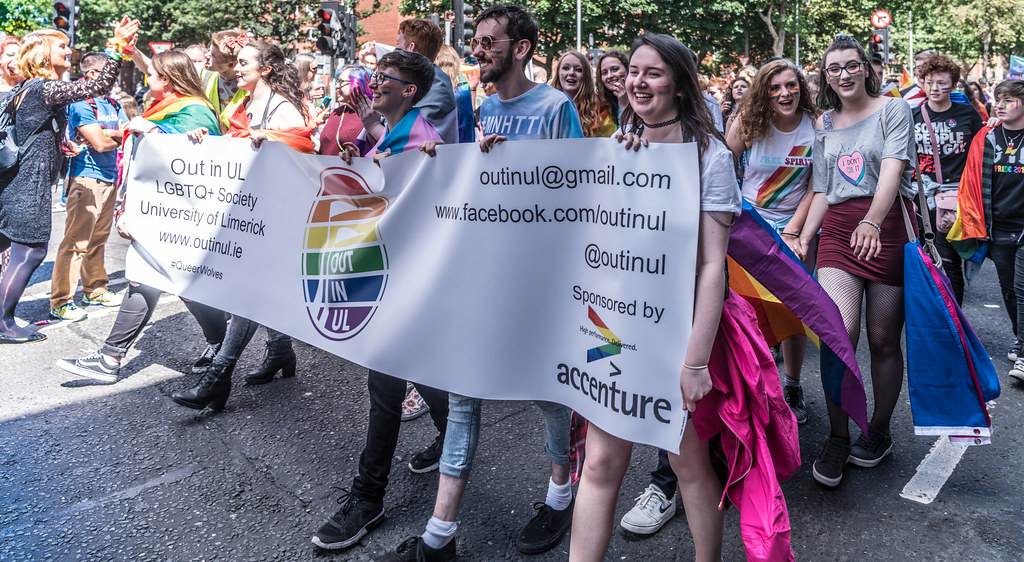 LGBTQ+ PRIDE PARADE 2017 [ON THE WAY FROM STEPHENS GREEN TO SMITHFIELD]-130058