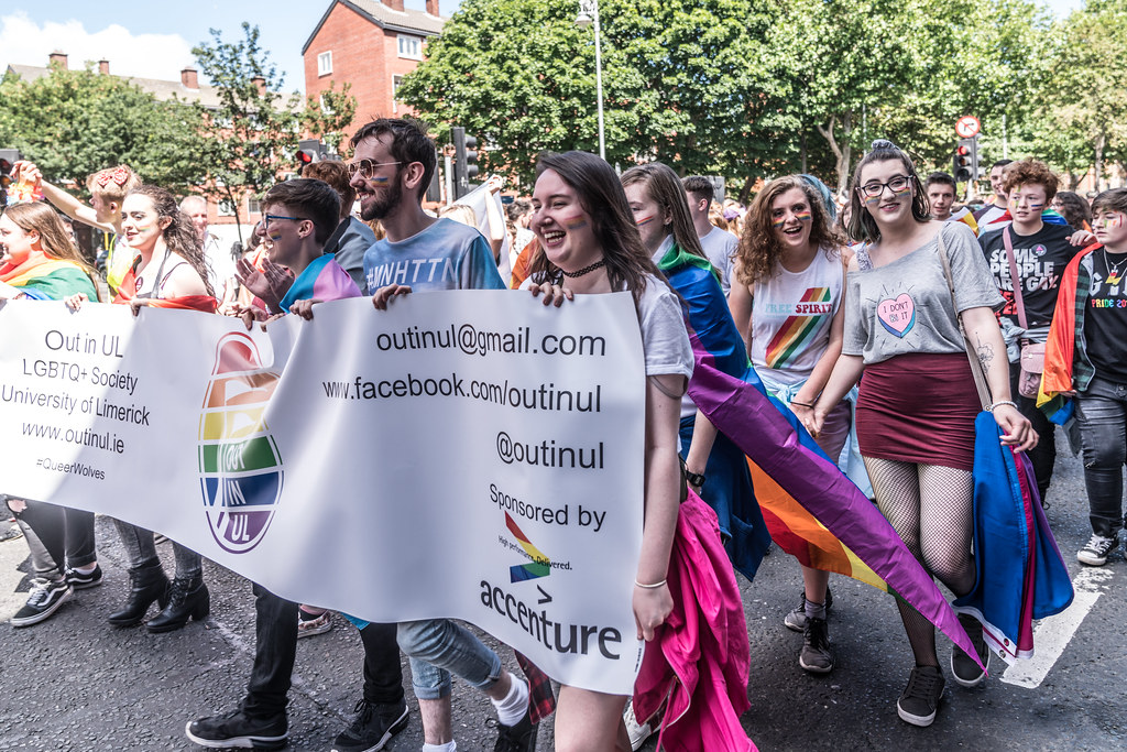 LGBTQ+ PRIDE PARADE 2017 [ON THE WAY FROM STEPHENS GREEN TO SMITHFIELD]-130059