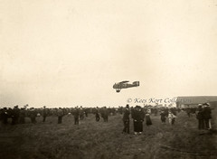 A civilian Breguet Bre.14.T bis comes in to land [France, 1922] (Kees Kort Collection) Tags: 14tbis 1922 breguet faebz landing