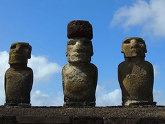 Moais_Pascua (ruben25x12) Tags: isladepascua easterisland easter polinesia polynesia moai islapajaro orongo ranoraruka marae cultura akivi hangaroa chile anakena