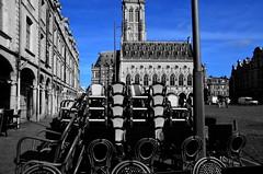 (Jean-Luc Léopoldi) Tags: cutout ciel bleu chaises bistrot trottoir beffroi placedeshéros arras néogothique