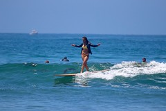 IMG_9633 (palbritton) Tags: surf surfing surfer ocean waves beach surfergirl sea