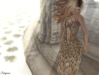 Sabrymoon wearing .:JUMO:. Fashion & Beauty Dakota Gown Taylor Skin Lips and Eyeliner