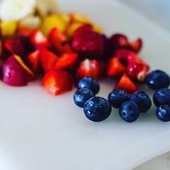 Знаете ли, че ягодите са единствените плодове със семена по повърхността? 🍓 (Smokini) Tags: smokini restaurant plovdiv ресторант пловдив vegetarian glutenfree vegan вегетариански веган