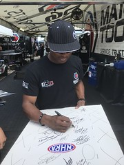 #1B-13, #11 Antron Brown, Top Fuel, Signing, NHRA, White Board, Signed by 14 Drivers, with Picture Proof Photo, (P.P.P.), Signed at the 2017 NHRA Nationals, Route 66, 20th anniversary, (Picture Proof Autographs) Tags: 1b13 leahpritchait signing nhra whiteboard signedby14drivers withpictureproofphoto ppp signedatthe2017nhranationals route66 20thanniversary tf papajohns matthagon fc mopar tonypedregon foxsports tommongoosemcewen hotwheels papajohn papajohnspizza greganderson ps summit claymillican greatclips dougkallaitta mactools jasonline tommyjohnsonjr makeawish antronbrown matcotools bobbode gunick tjrizzo rustoleul