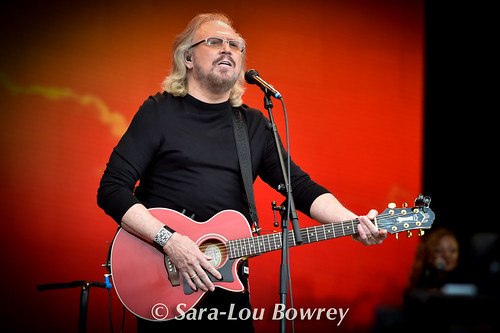 Barry Gibb Glastonbury 2017