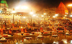 varanasi-ghat (Top Indian Holidays) Tags: golden triangle tour goldentriangletourpackages goldentrianglewithvaranasitour packkages
