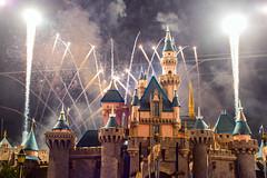 """Remember Dreams Come True"" Fireworks Spectacular in Disneyland (GMLSKIS) Tags: disney california rememberdreamscometrue fireworksspectacular sleepingbeautycastle disneyland nikond750"