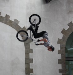 Riding Indoor Show Brest 2017 (EricFromPlab) Tags: bretagne finistère brest capucins breizh brittany freestyle rider jump bmx