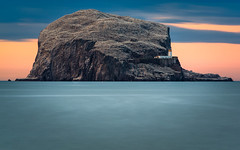 The Bass Rock Lighthouse (Uillihans Dias) Tags: northberwick bassrock lighthouse scotland uk gb seascape sea dawn twilight