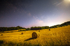 (Mallory Walle) Tags: milkyway milky way voie lactée stars étoiles field countryside champs man stand alone dos back clouds sunset nuages couher soleil sun night skyporn nuit sky ciel longexposure long exposure exposition canon