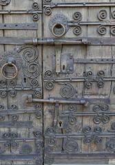 DETALL PORTA ESGLESIA D'ESPONELLÀ (Joan Biarnés) Tags: esponellà pladelestany girona catalunya esglesia iglesia porta puerta 224 panasonicfz1000