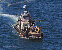 4658_Seafair Pirates 2017 (lg evans Maritime Images) Tags: maritimeimages ©lgevans lgevans lge seafairpirates 2017 landingday landingcraft globaldivingandsalvage waterfront harbor portofseattle cannonshot boom seafair seattlewa
