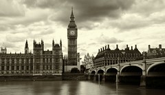 Palace of Westminster / Westminster Bridge (PeskyMesky) Tags: london blackandwhite palaceofwestminster westminsterbridge monochrome bw bigben houseofcommons riverthames architecture