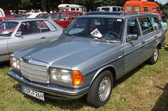 W123 Wagon (Schwanzus_Longus) Tags: bockhorn german germany old classic vintage car vehicle station wagon estate break kombi combi w123 mercedes benz 230te