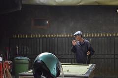 Billiards & cigarette (idilucb) Tags: indonesia indonesian player smoke smoking cigarette joueur billard béret indonésien billiards vintage atmosphere quotidien