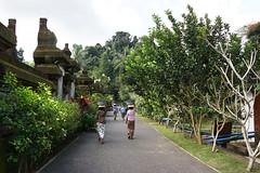 Workers (MelindaChan ^..^) Tags: bali indonesia 印尼 巴里島 chanmelmel mel melinda melindachan life people