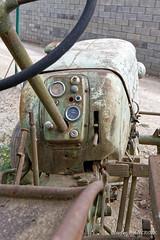 20170617_105329_3500-300_0003 (Olivier_1954) Tags: vehicules abandonné ancêtre tracteur transport