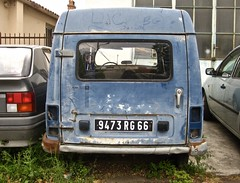 1975-1988 RENAULT R4F6 Fourgonnette (ClassicsOnTheStreet) Tags: 9473rg66 renault r4f6 1990 4f6 r4 quatrelle viertje 4 berline 90s 1990s car voiture auto classic youngtimer klassieker veteran gespot spotted carspot prades pyrénéesorientales routederia d916 fr frankrijk france 2017 straatfoto streetphoto streetview strassenszene straatbeeld classicsonthestreet fourgonnettevitrée fourgonnette besteller bestelwagen delivery kastenwagen lieferwagen commercial commerciale utility