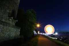 IMG_6631 (AndyMc87) Tags: rüsselsheim hessentag hessen turm fest ferris wheel riesenrad langzeitbelichtung longtimeexposure lightstreams lighttrails canon eos 6d bulb nacht ruin tree blue sky